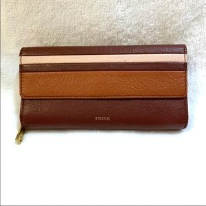 {Fossil} Wallet